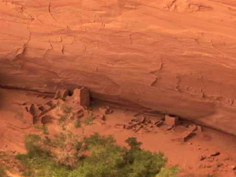ha, zo, rock formations and pueblo ruins, antelope house, canyon del muerto, canyon de chelly national monument, arizona, usa - puebloan peoples stock videos & royalty-free footage