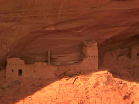 ha, ms, zo, rock formations and pueblo ruins, mummy cave, canyon del muerto, canyon de chelly national monument, arizona, usa - puebloan peoples stock videos & royalty-free footage