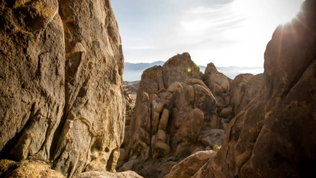 rock formations at alabama hills - motion control timelapse - hügelkette stock-videos und b-roll-filmmaterial