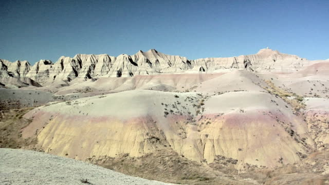 zi ms rock formations at badlands national park, south dakota, usa - badlands national park stock videos & royalty-free footage