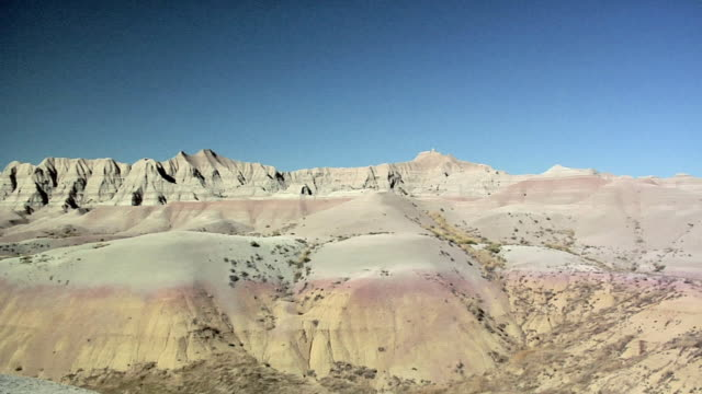 ws pan rock formations at badlands national park, south dakota, usa - badlands national park stock videos & royalty-free footage