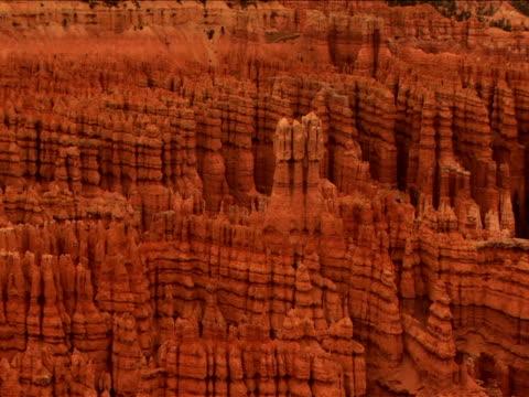 vidéos et rushes de ms, zi, rock formations, bryce canyon national park, utah, usa - grès