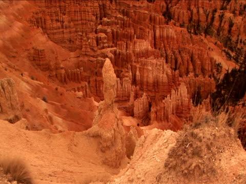 vidéos et rushes de ws, pan,  rock formations, bryce canyon national park, utah, usa - grès
