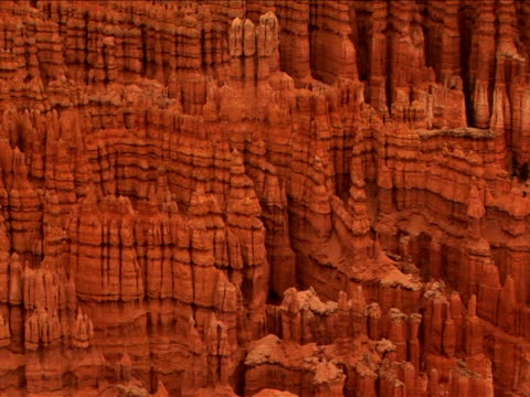 vidéos et rushes de ms, pan, ha, rock formations, bryce canyon national park, utah, usa - grès