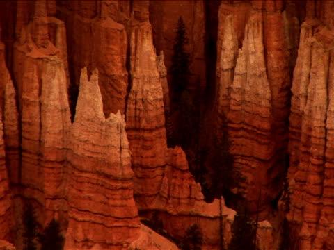 ms, pan, rock formations, bryce canyon national park, utah, usa - ムラがある点の映像素材/bロール