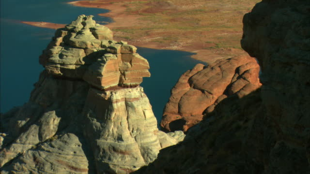 ms, ha, rock formations, lake powell, glen canyon national recreation area, utah, usa - lago powell video stock e b–roll