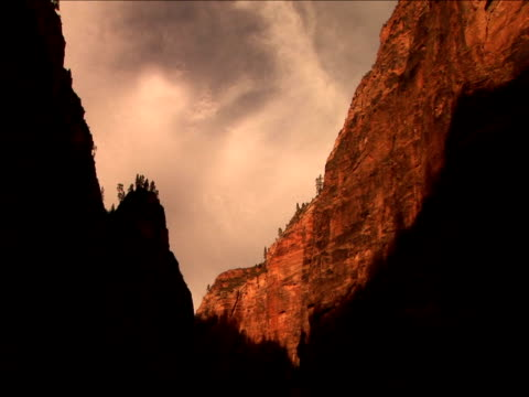 ms, la, rock formations, zion national park, utah, usa - placca di montaggio fissa video stock e b–roll