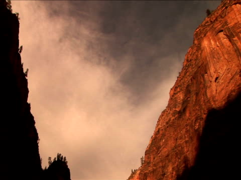 ms, la, pan,  rock formations, zion national park, utah, usa - placca di montaggio fissa video stock e b–roll