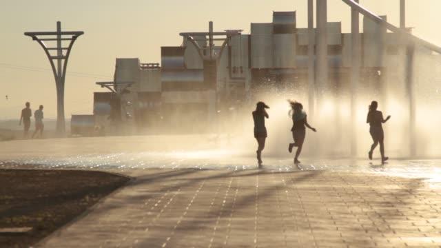 stockvideo's en b-roll-footage met rock in rio madrid day 2 on july 05, 2012 in arganda del rey, spain - festivalganger