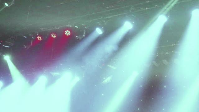 rock-konzert-leuchten - psychedelische musik stock-videos und b-roll-filmmaterial