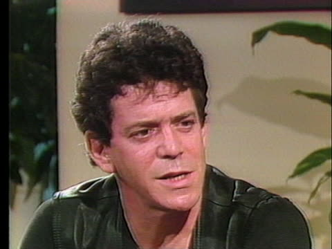 rock singer lou reed jokes about going to montserrat and having trouble writing music there. - ルー リード点の映像素材/bロール