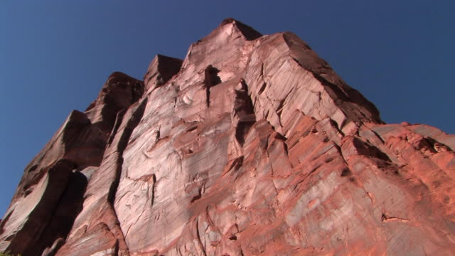la ms rock wall/ canyon de chelly national monument, arizona - canyon de chelly stock videos & royalty-free footage