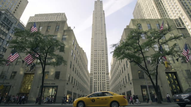 rockefeller center - dolly shot - rockefeller center video stock e b–roll