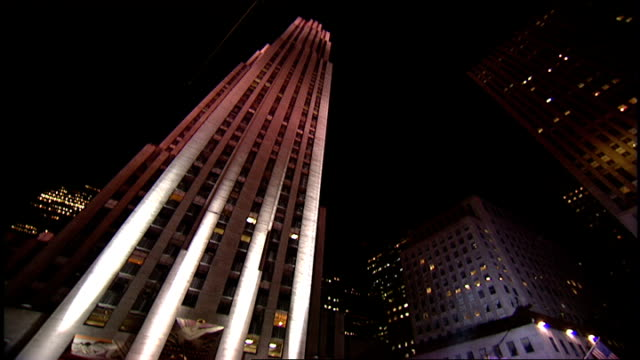 stockvideo's en b-roll-footage met rockefeller center during the 2003 mtv video music awards - 2003