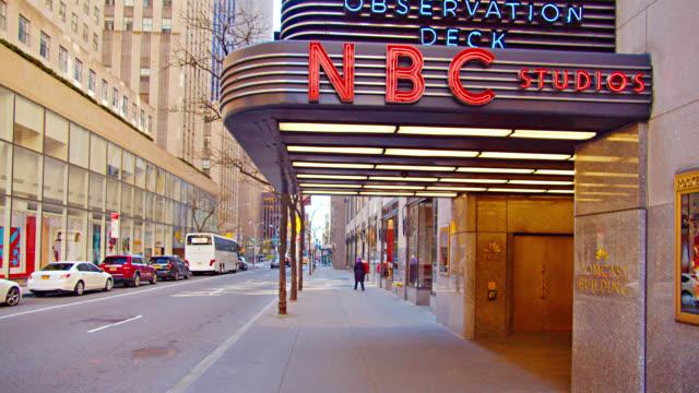 rockefeller center nbc studio entrance. city street. - nbcuniversal stock videos & royalty-free footage
