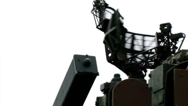 戦闘位置にレーダーをロケット発射装置 - ブロックする点の映像素材/bロール