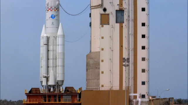 stockvideo's en b-roll-footage met ms, tu rocket on launch pad, guiana space centre, kourou, french guiana - westers schrift