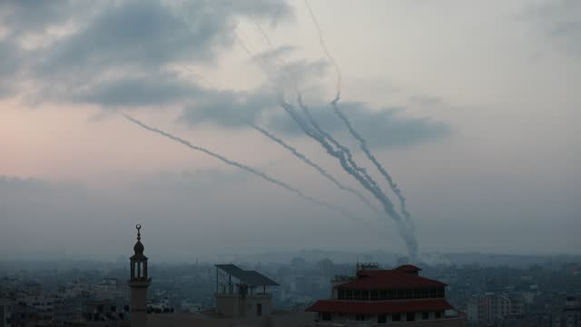 rockets are launched by palestinian militants into israel, in gaza may 11, 2021. - イスラエルパレスチナ問題点の映像素材/bロール