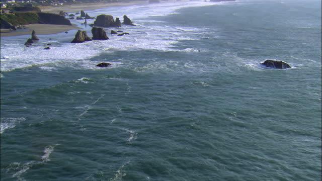 aerial rocks and ocean, bandon, coquille point, oregon, usa - オレゴン州点の映像素材/bロール