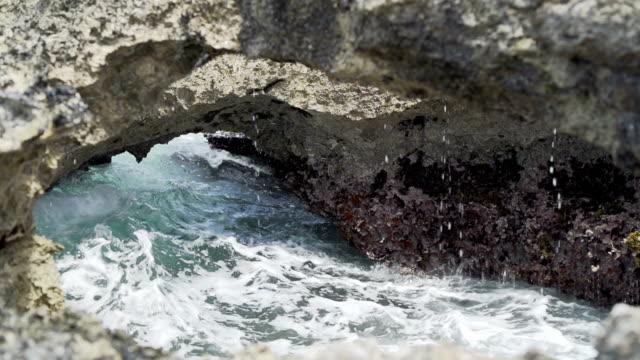 stockvideo's en b-roll-footage met rocks and sea - franse overzeese gebieden