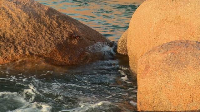 HD: Rocks in the ocean