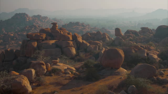 T/L rockscape at dawn, Hampi