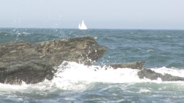 岩肌 11 -hd 30 f - boulder rock点の映像素材/bロール