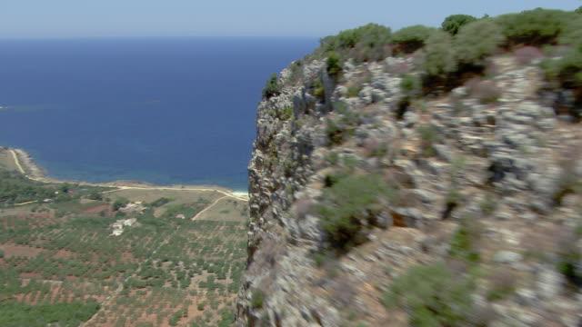 rocky cliffs - 地中海点の映像素材/bロール