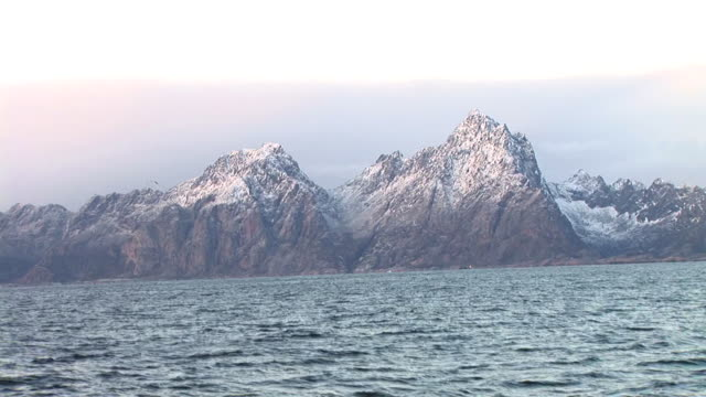 HD: Rocky coastline