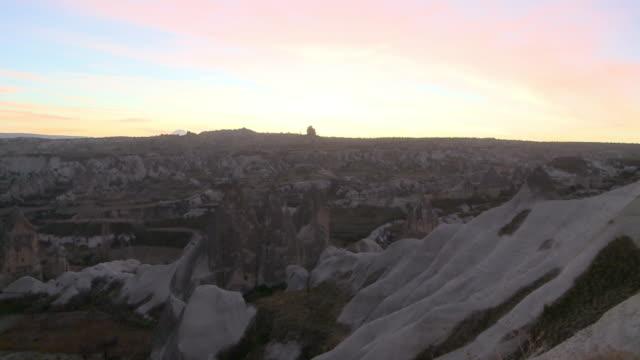 rocky valley in cappadocia, turkey - ロックストラータ点の映像素材/bロール