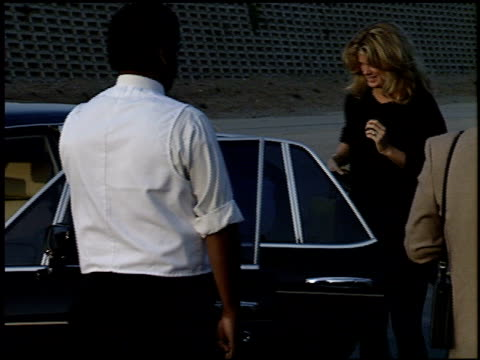 vidéos et rushes de rod stewart at the dream halloween, children affect aids at santa monica airport in santa monica, california on october 29, 1994. - effet visuel