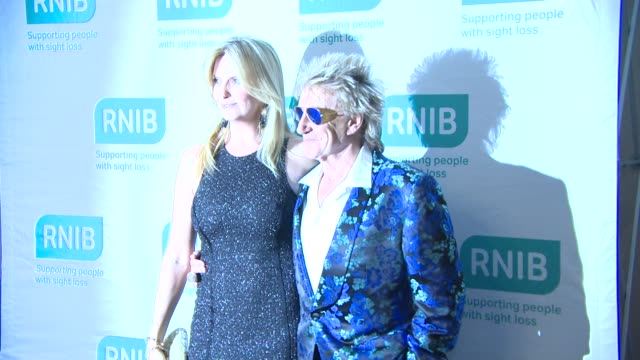 rod stewart, penny lancaster at royal national institute of blind people summer gala at london hilton on july 09, 2014 in london, england. - rod stewart stock-videos und b-roll-filmmaterial