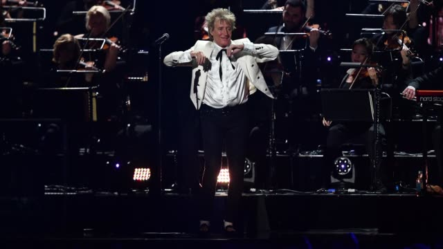 rod stewart performs during the brit awards 2020 at the o2 arena on february 18, 2020 in london, england. - performance stock videos & royalty-free footage
