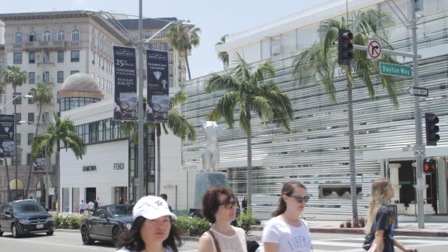rodeo drive and dayton way, beverly hills, los angeles, la, california, united states of america, north america - beverly hills california video stock e b–roll