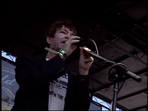 rodney bingenheimer at the 2003 kroq weenie roast at verizon amphitheater in irvine california on june 14 2003 - kroq weenie roast stock videos & royalty-free footage