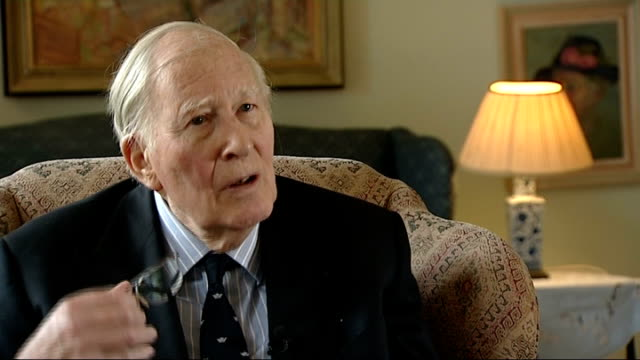 roger bannister interview bannister interview sot - bannister stock videos & royalty-free footage