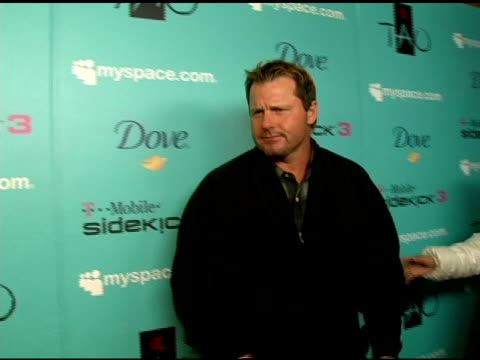 roger clemens on how he keeps warm at sundance and what he is doing at the film festival at the 2007 sundance film festival myspace nights presented... - t in the park stock-videos und b-roll-filmmaterial