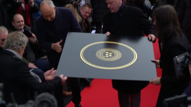roger daltrey and pete townshend at the founding stone unveiling for music walk of fame on november 19, 2019 in london, england. - roger daltrey stock-videos und b-roll-filmmaterial