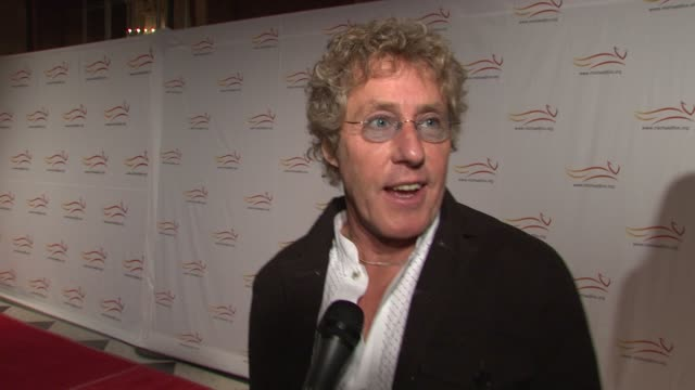 roger daltrey talking about why he's here supporting michael. at the 'a funny thing happened on the way to cure parkinson's' benefit at new york ny. - roger daltrey stock videos & royalty-free footage