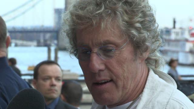 roger daltry roger daltry at old billingsgate on august 21, 2012 in london, england - roger daltrey stock-videos und b-roll-filmmaterial