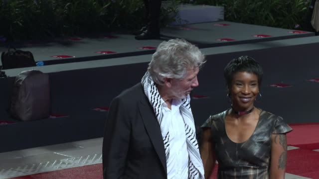 roger waters on 'roger waters us them' red carpet arrivals the 76th venice film festival on september 06 2019 in venice italy - 76th venice film festival 2019点の映像素材/bロール