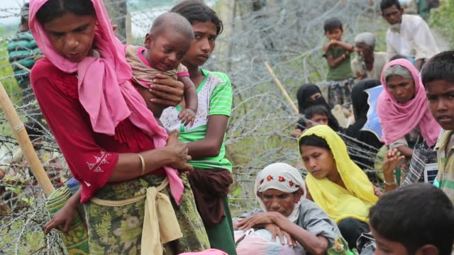 cox'sbazar bangladesh september 26 rohingya muslims fled from ongoing military operations in myanmar's rakhine state cross the maungdaw border of... - exile stock videos & royalty-free footage