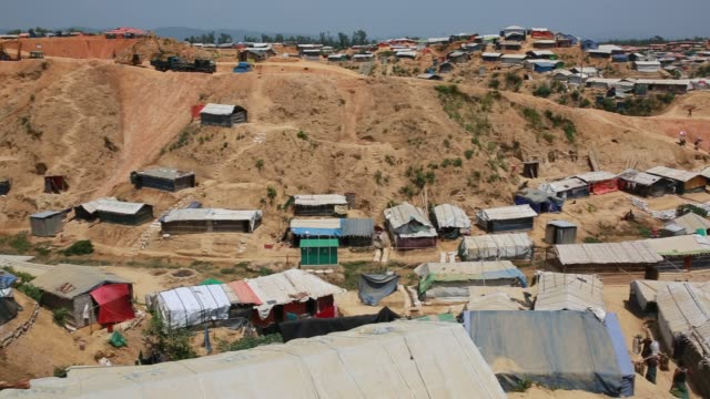 vidéos et rushes de cox's bazar bangladesh may 02 rohingya muslims fled from ongoing military operations in myanmar's rakhine state leading life at refugee camp at cox's... - bangladesh