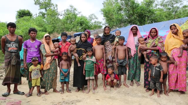 rohingya people fled from ongoing military operation in myanmar rakhain state entered bangladesh and staying in no man's land in coxs bazaar in... - rohingya kultur stock-videos und b-roll-filmmaterial