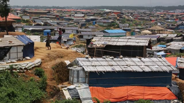 rohingya people seen inside refugee camp in cox's bazaar bangladesh on august 04 2018 - cox basar stock-videos und b-roll-filmmaterial