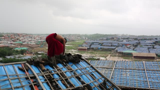 rohingya people seen inside refugee camp in cox's bazar bangladesh on august 04 2018 - cox basar stock-videos und b-roll-filmmaterial