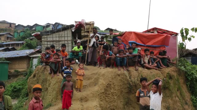 rohingya people seen inside refugee camp in cox's bazar bangladesh on august 04 2018 - rohingya kultur stock-videos und b-roll-filmmaterial
