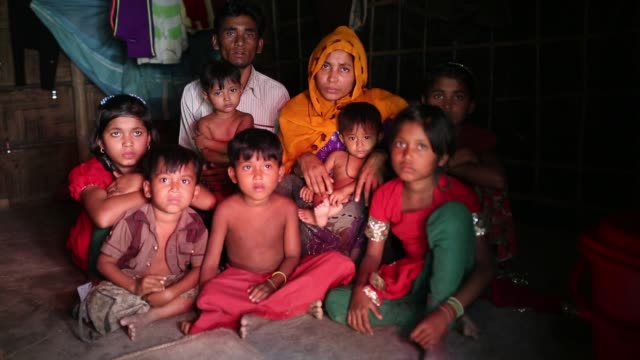 rohingya refugee describe how myanmar army make torture on them. un said that hundreds of rohingya the - most persecuted groups worldwide. more than... - 絶望点の映像素材/bロール