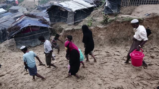 20 Rohingya People Living In Bamboo Shelters In Bangladesh Video