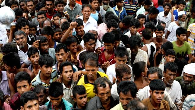 30 Top Myanmar Rohingya Refugees Flood Into Bangladesh Video